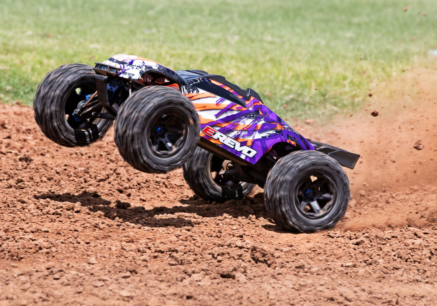 PACK TRAXXAS E-REVO - 4x4 - VIOLET - 1/10 BRUSHLESS - TSM - VERSION 4S/CHARGEUR